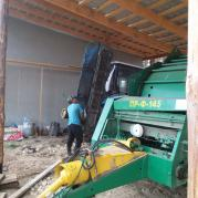 Рабочие будни тракториста.jpg