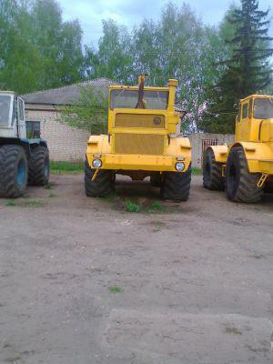 Traktor Kirovets К-700, К700, К-701, К701 zu verkaufen.