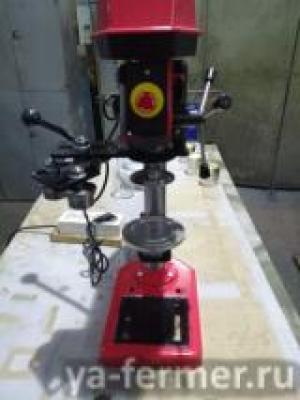 Машинка закаточная полуавтоматическая для жестяных банок №7 и 9.