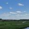 Поле 22 Га вдоль реки Омутня в Московской области.
