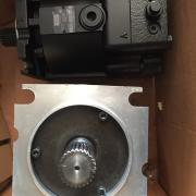 Гидромотор 719948 MOTOR-FIXED-DISPL 90MF130 90-M-130-NC-0-N-8-N-0-C8-W-00-NNN-00-00-G3 фотография