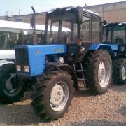 Трактор МТЗ 82.1 23/12 с балочным, усиленным мостом фотография