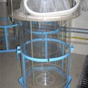"""Инкубационный аппарат """"Амур"""" применяется для инкубации икры растительноядных рыб."""