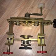 Ручная закаточная машина для железных банок фото